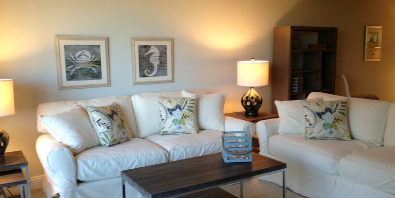 aqua-livingroom